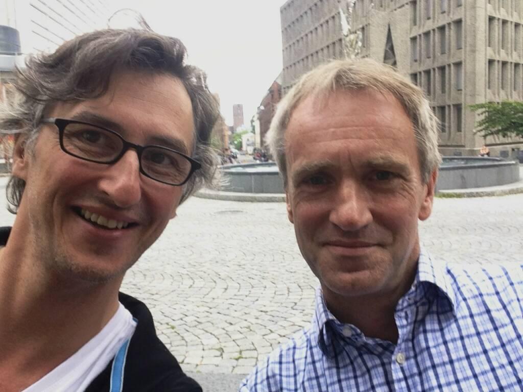 Noch ein photobook-Treffen und Talk in Oslo - diesmal mit Nicholas McLean (Éditions du LIC), Bücher aus seinem Verlag hier: http://josefchladek.com/publisher/762/editions_du_lic (06.08.2014)