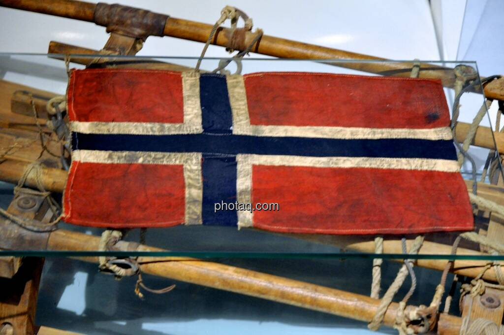 Norwegen, Flagge, Amundsen, © photaq.com (06.08.2014)