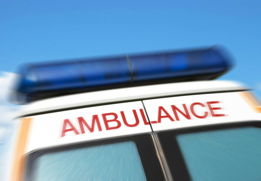 Rettung, Ambulanz, Hilfe, Blaulicht, Medizin, Arzt, http://www.shutterstock.com/de/pic-60406939/stock-photo-closeup-of-sign-on-ambulance-with-zoom-effect.html , © www.shutterstock.com (21.06.2018)