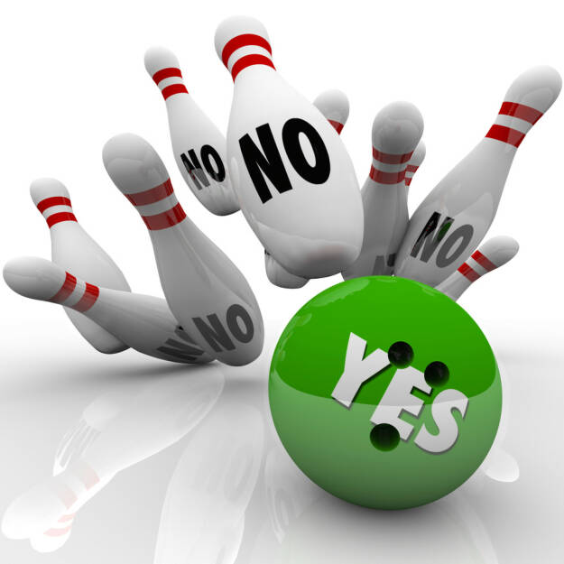 yes, no, ja, nein, kegel, bowling, negativ, positiv, fallen, umfallen, stürzen, http://www.shutterstock.com/de/pic-156089510/stock-photo-the-word-yes-on-a-green-bowling-ball-striking-pins-labeled-no-to-illustrate-overcoming-objections.html, © www.shutterstock.com (24.03.2017)