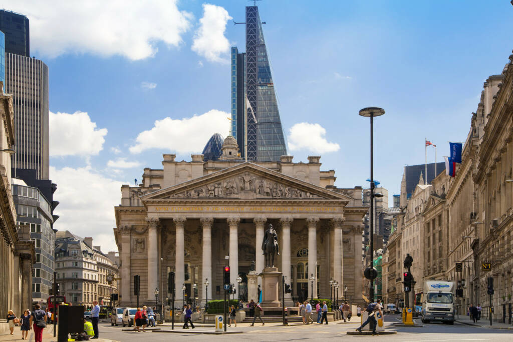 Royal exchange, Bank of England square, BoE  <a href=http://www.shutterstock.com/gallery-321952p1.html?cr=00&pl=edit-00>IR Stone</a> / <a href=http://www.shutterstock.com/?cr=00&pl=edit-00>Shutterstock.com</a>, © www.shutterstock.com (21.09.2018)