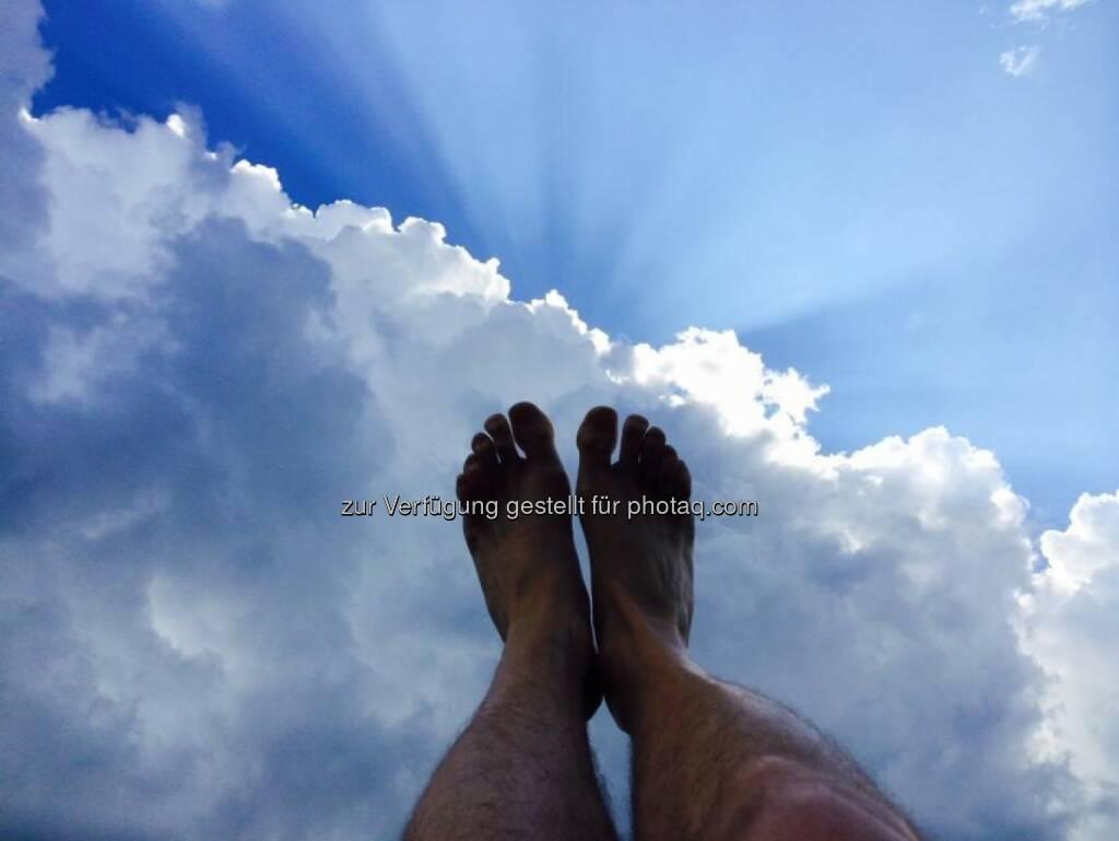 Sommer Füsse Wolken, © Dirk Herrmann (09.08.2014)