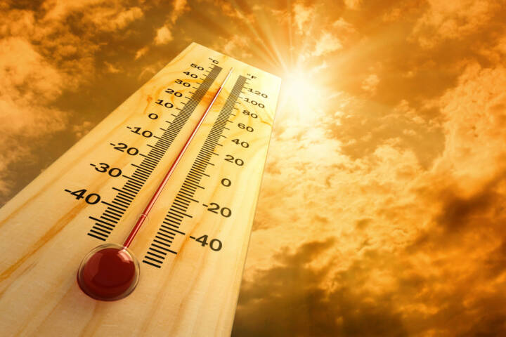 heiss, Hitze, Phase, heisse Phase, Temperatur, hitzig, http://www.shutterstock.com/de/pic-80404600/stock-photo-thermometer-in-the-sky-the-heat.html