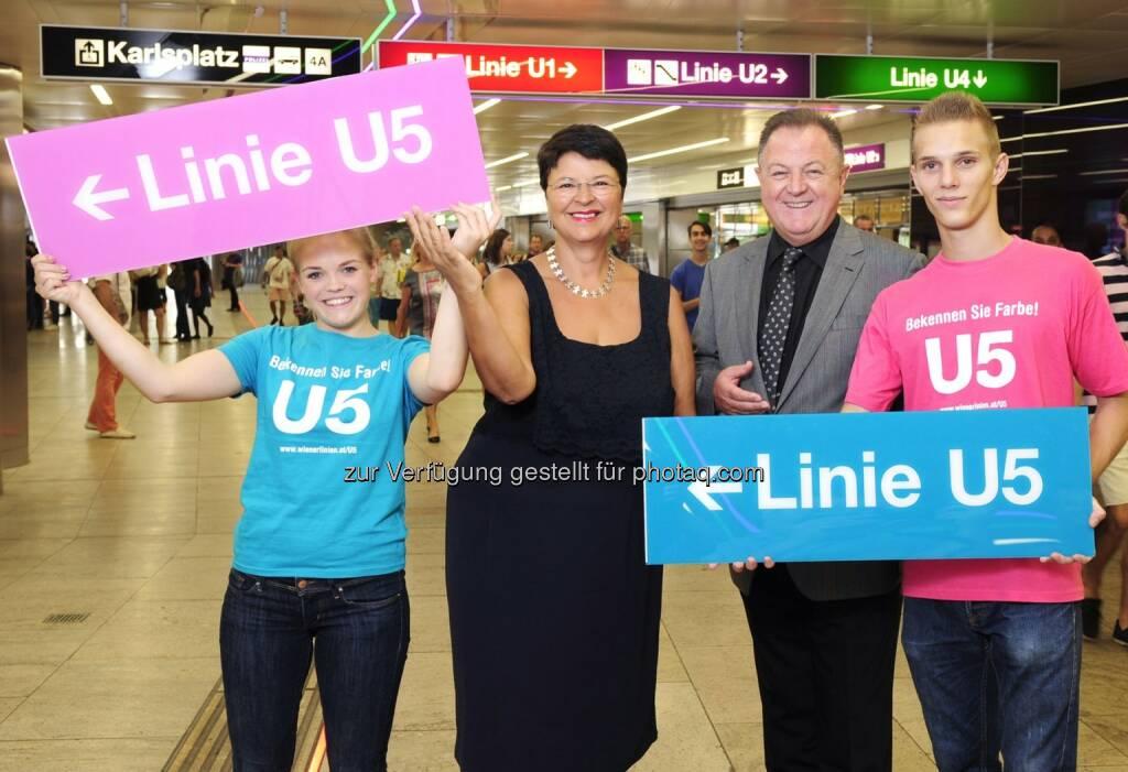 Abstimmung zur U5-Linienfarbe startet jetzt! Öffi-Stadträtin Renate Brauner und Wiener-Linien-Geschäftsführer Eduard Winter geben den Startschuss für das Voting zur Linienfarbe der U5., © Aussendung (11.08.2014)