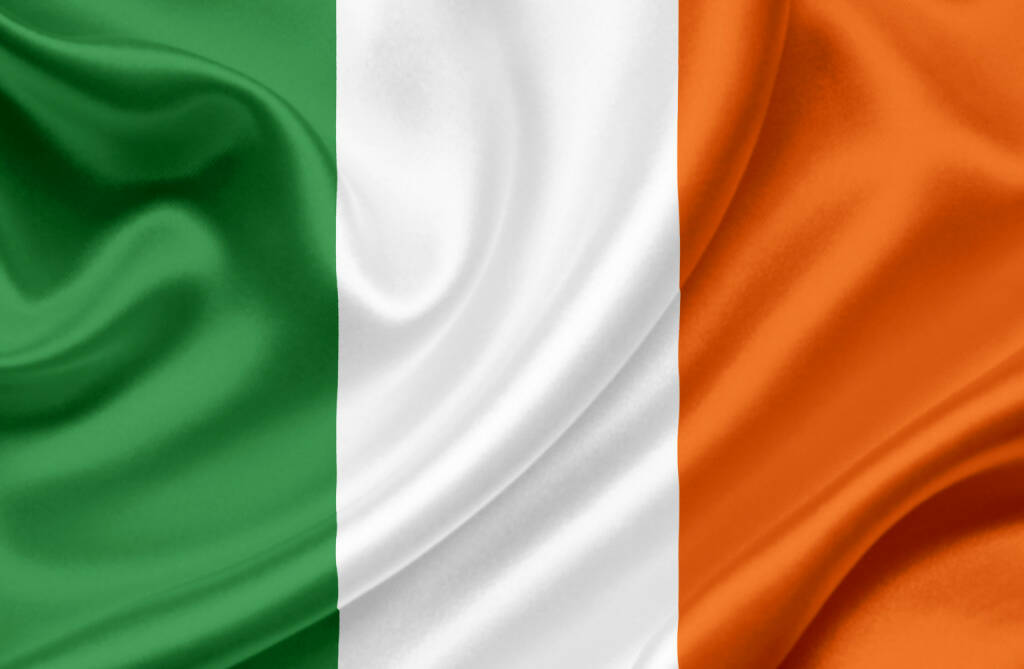 Irland, Flagge, http://www.shutterstock.com/de/pic-100853569/stock-photo-ireland-waving-flag.html, © www.shutterstock.com (21.07.2018)