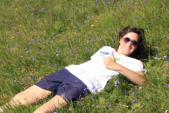 Kathrin Heiss Runplugged Smeil, mehr unter http://photaq.com/page/index/1383 (Shirt in der Uniqa-Kollektion)