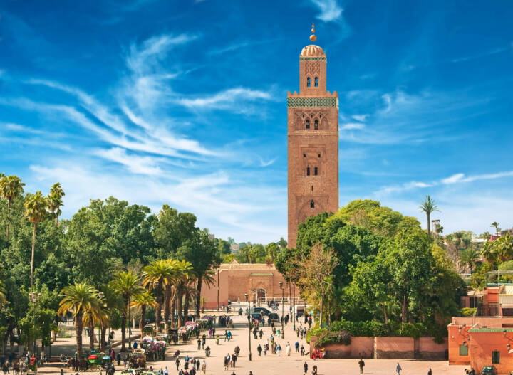 Marrakesch, Marokko, http://www.shutterstock.com/de/pic-135809351/stock-photo-main-square-of-marrakesh-in-old-medina-morocco.html