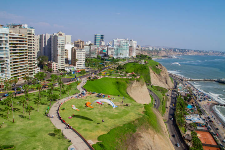 Lima, Peru, http://www.shutterstock.com/de/pic-128327462/stock-photo-aerial-shot-of-lima-city-peru.html