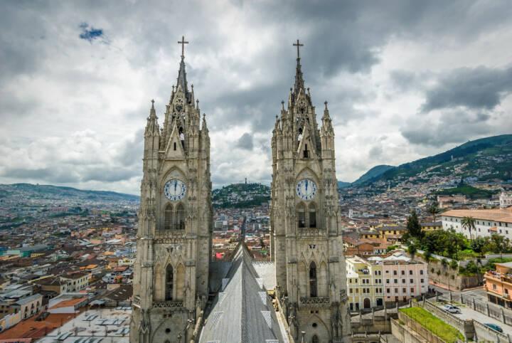 Quito, Ecuador, http://www.shutterstock.com/de/pic-154309010/stock-photo-basilica-del-voto-nacional-quito-ecuador.html