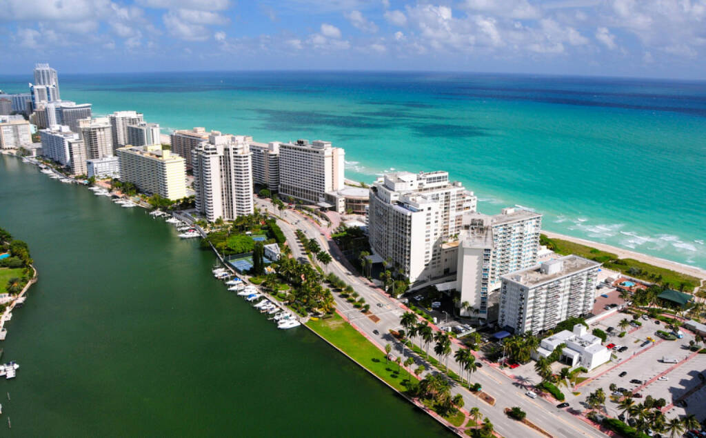 Miami, Floria, USA, http://www.shutterstock.com/de/pic-109905860/stock-photo-aerial-view-of-miami-south-beach-florida-usa.html , © (www.shutterstock.com) (11.08.2014)