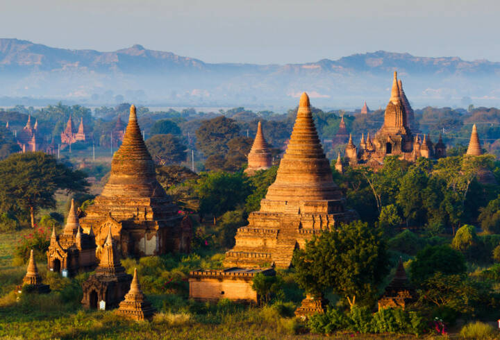 Myanmar, Burma, Pagode, http://www.shutterstock.com/de/pic-189995696/stock-photo-the-plain-of-bagan-pagan-mandalay-myanmar.html