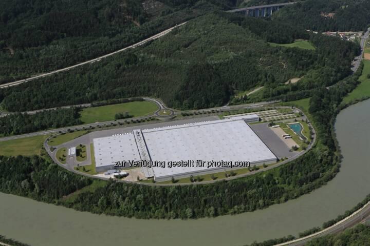 Hofer KG: Österreichs größtes Photovoltaik-Projekt entsteht auf dem Dach der Hofer-Zweigniederlassung in Kärnten