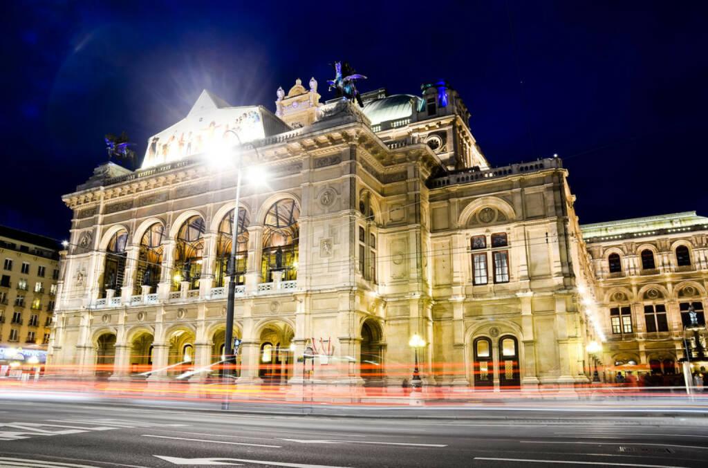 Oper, Staatsoper, Wien, Österreich, http://www.shutterstock.com/de/pic-135621317/stock-photo-night-view-at-opera.html , © www.shutterstock.com (13.08.2014)