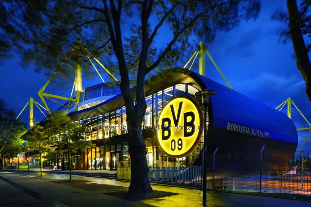 BVB Fanshop in Dortmund - Das Beleuchtungskonzept der BVB FanWelt am Signal Iduna Park stammt aus dem Hause Zumtobel (Bild: BVB/Zumtobel) (14.08.2014)