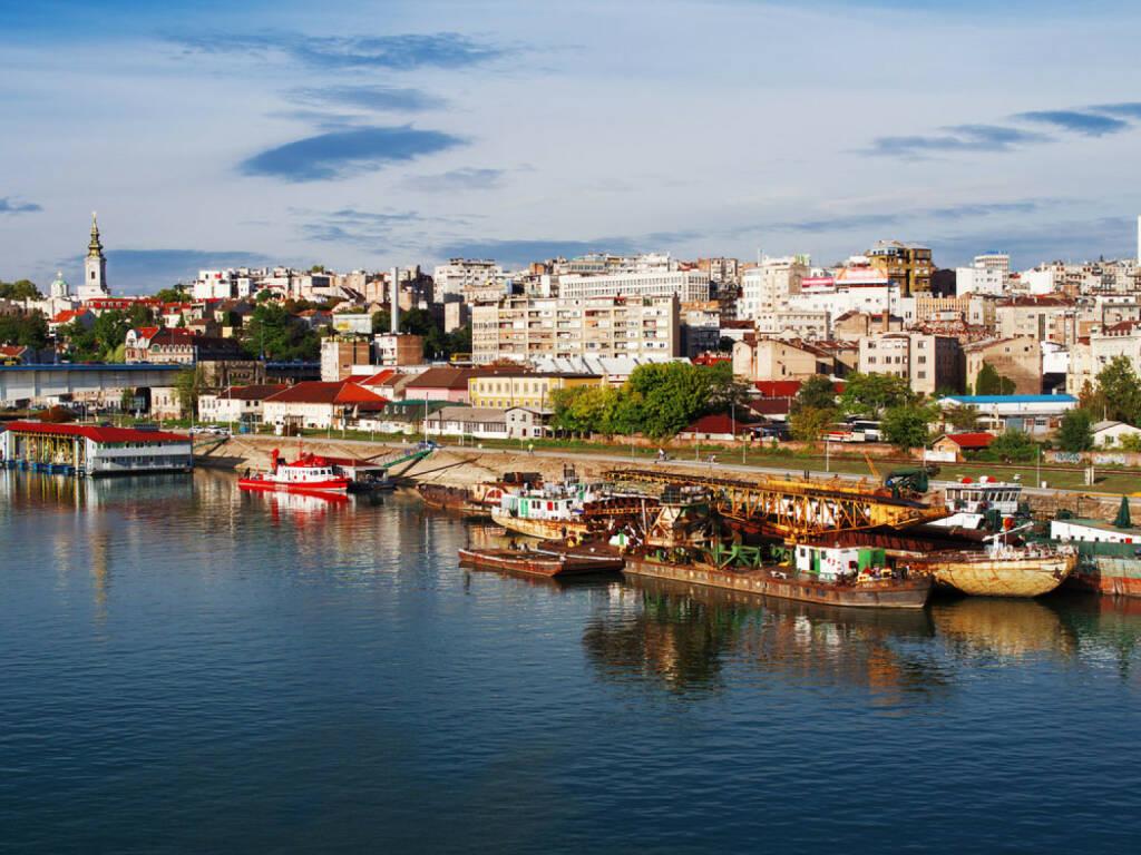Belgrad, Serbien, http://www.shutterstock.com/de/pic-156936452/stock-photo-belgrade-view-from-river-sava-bridge-serbia.html , © shutterstock.com (15.08.2014)