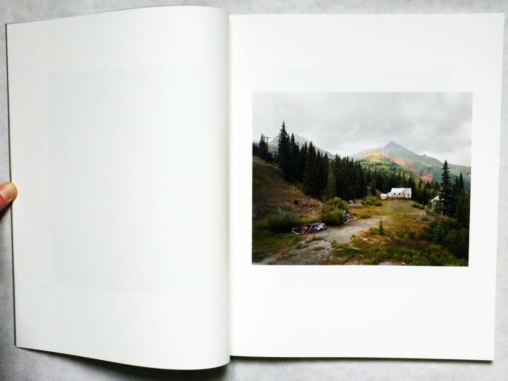 Bryan Schutmaat - Grays the Mountain Sends 150-250 Euro - http://josefchladek.com/book/bryan_schutmaat_-_grays_the_mountain_sends (17.08.2014)