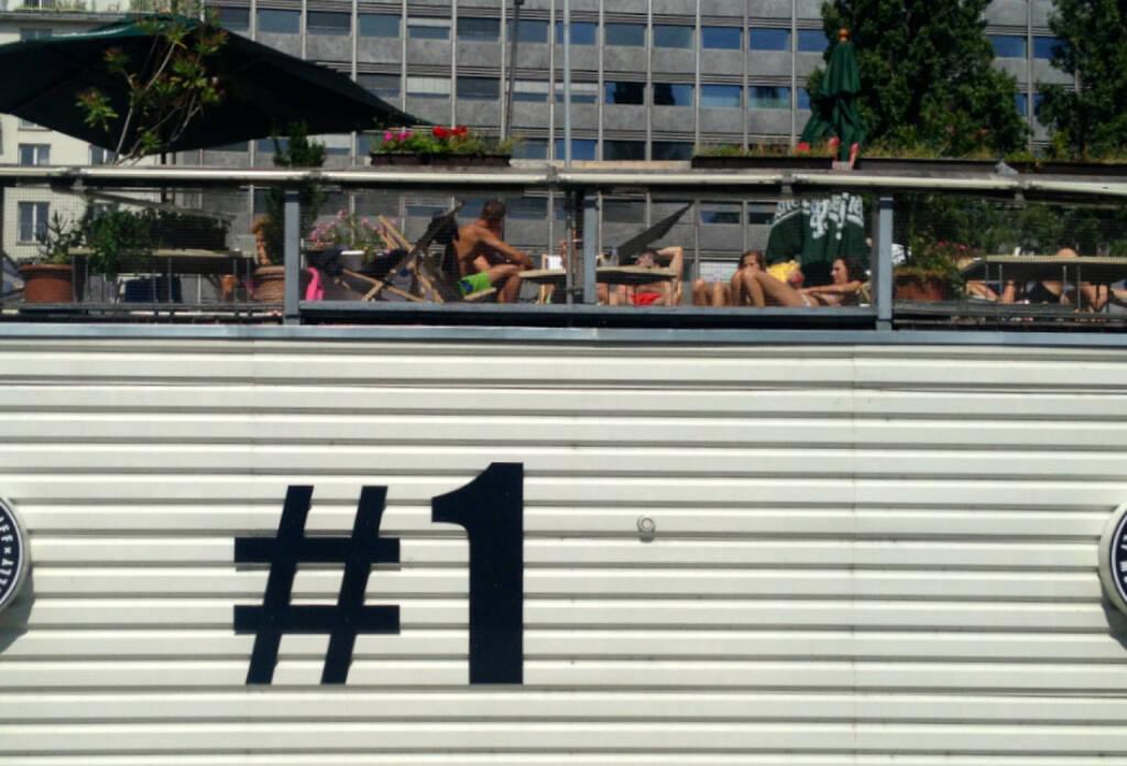 Nummer 1, eines, © diverse Handypics mit freundlicher Genehmigung von photaq.com-Freunden (18.08.2014)