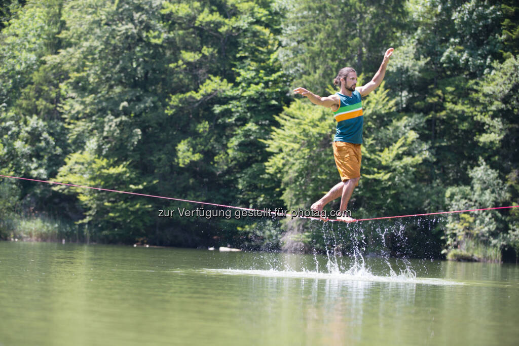 Balance, Wasser, Waterline Alpbachtal Seenland Tourismus: Wasserfest - Waterproof Österreichs erstes Waterline Festival, Christian Waldner (c) Elias Holzknecht, © Aussendung checkfelix (20.08.2014)