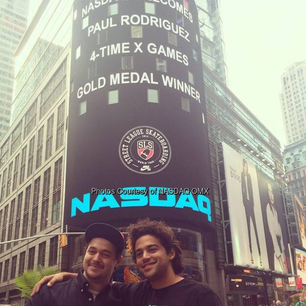 Paul Rodriguez poses in #TimesSquare with a big fan from @NASDAQ! @prod84 @foxsports1 @streetleague #streetleague #slsonfox  Source: http://facebook.com/NASDAQ (23.08.2014)