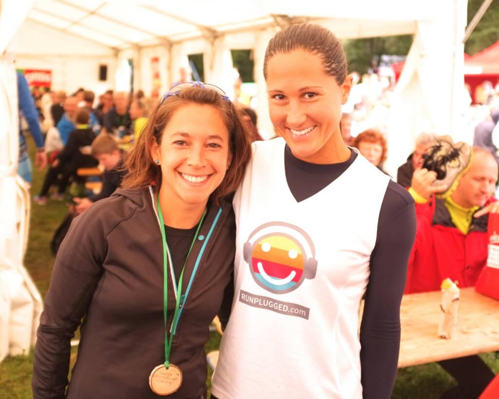 Die beiden Top-Damen beim Wienerwaldlauf 2014 -  Runplugged Grooverinnen Anita Auttrit, Monika Kalbacher (24.08.2014)
