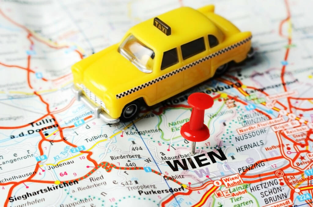Taxi, Wien, Uber, Karte, Map, Orientierung, http://www.shutterstock.com/de/pic-208761622/stock-photo-close-up-of-wien-austria-map-with-red-pin-and-a-taxi-travel-concept.html, © (www.shutterstock.com) (28.08.2014)