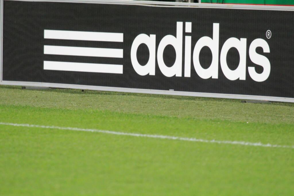 adidas, <a href=http://www.shutterstock.com/gallery-264046p1.html?cr=00&pl=edit-00>Tomasz Bidermann</a> / <a href=http://www.shutterstock.com/editorial?cr=00&pl=edit-00>Shutterstock.com</a>, Tomasz Bidermann / Shutterstock.com, © www.shutterstock.com (28.08.2014)