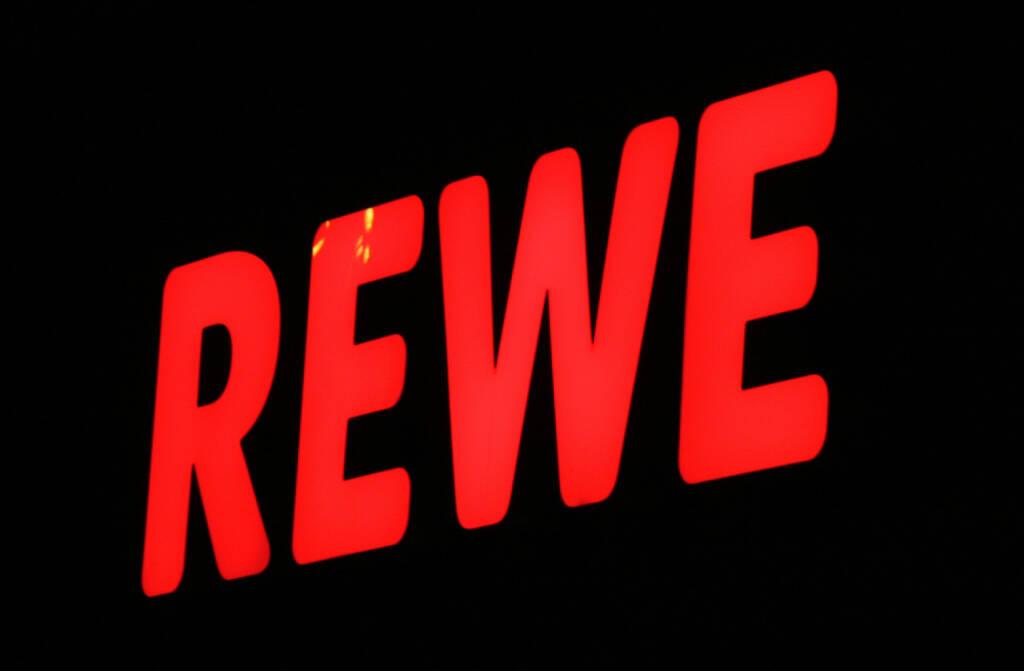 Rewe, Billa, <a href=http://www.shutterstock.com/gallery-320989p1.html?cr=00&pl=edit-00>360b</a> / <a href=http://www.shutterstock.com/editorial?cr=00&pl=edit-00>Shutterstock.com</a>, 360b / Shutterstock.com, © www.shutterstock.com (28.08.2014)