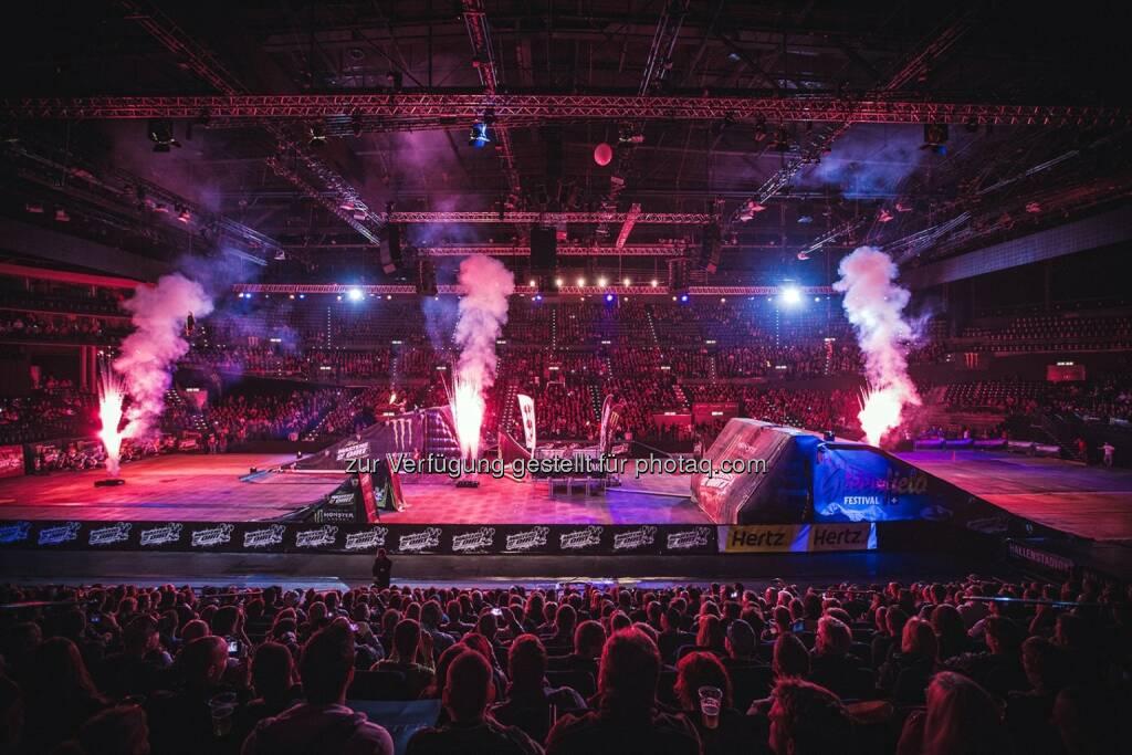 Semtainment: Masters of Dirt im Juni 2015 im Wörthersee Stadion, © Aussender (01.09.2014)