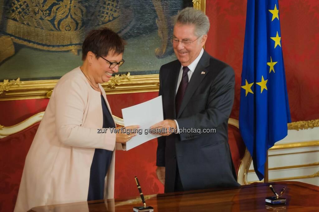 Sabine Oberhauser wird von Bundespräsident Heinz Fischer als neue Gesundheitsministerin angelobt, © SPÖ/Lehmann (02.09.2014)
