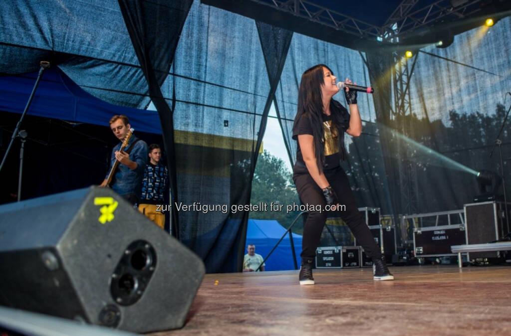 Immofinanz: Konzert vom polnischen Popstar Jula, siehe http://blog.immofinanz.com/de/2014/09/02/immofinanz-51.-stop.shop.-in-ketrzyn-eroeffnet/, © Aussender (02.09.2014)