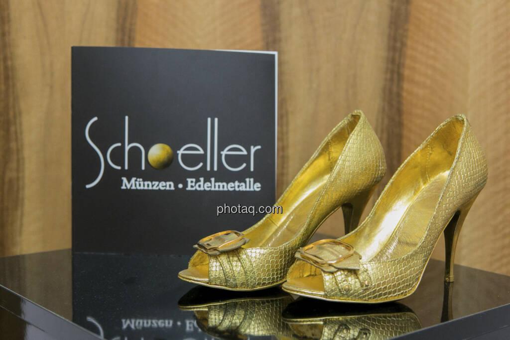 Goldschuhe Schoeller Münzhandel, http://www.schoeller-muenzhandel.at, © finanzmarktfoto.at/Martina Draper (20.01.2013)