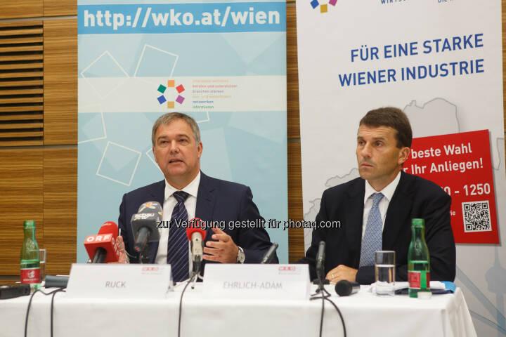 Walter Ruck, Präsident der WK Wien und Stefan Ehrlich-Adám, Spratenobmann Industrie Wien: Wiener Industrie kämpft mit Bürokratie, Steuern und Umwidmungen