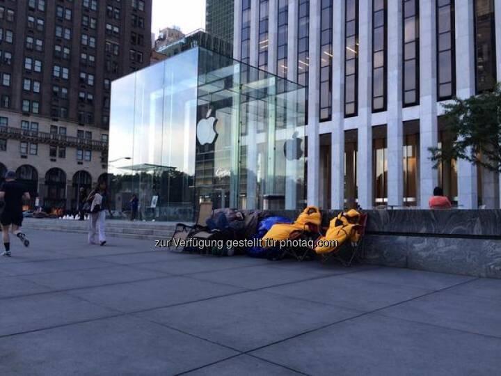 EINLADUNG zu unserer Live Expertenrunde: Das Apple Event des Jahres! Wir konferieren mit IT-, Chart- und Fundi-Experten im Live-Webinar, meldet euch gleich an!  http://www.godmode-trader.de/webinare-und-seminare/detail/event,12835  Source: http://twitter.com/godmodetrader