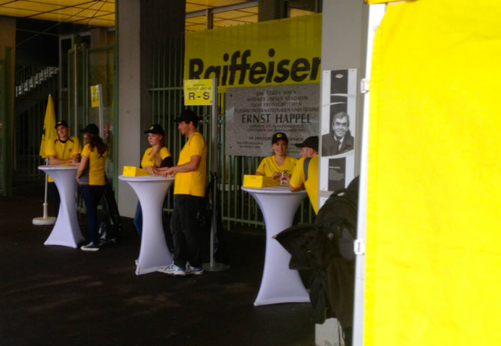 Raiffeisen, RBI beim Wien Energie Business Run 2014 (04.09.2014)