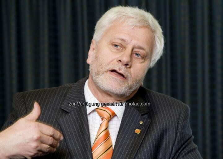 Friedrich Schneider vom Institut für Volkswirtschaftslehre der Johannes Kepler Universität (JKU) Linz ist Experte für Korruption und Schwarzarbeit.