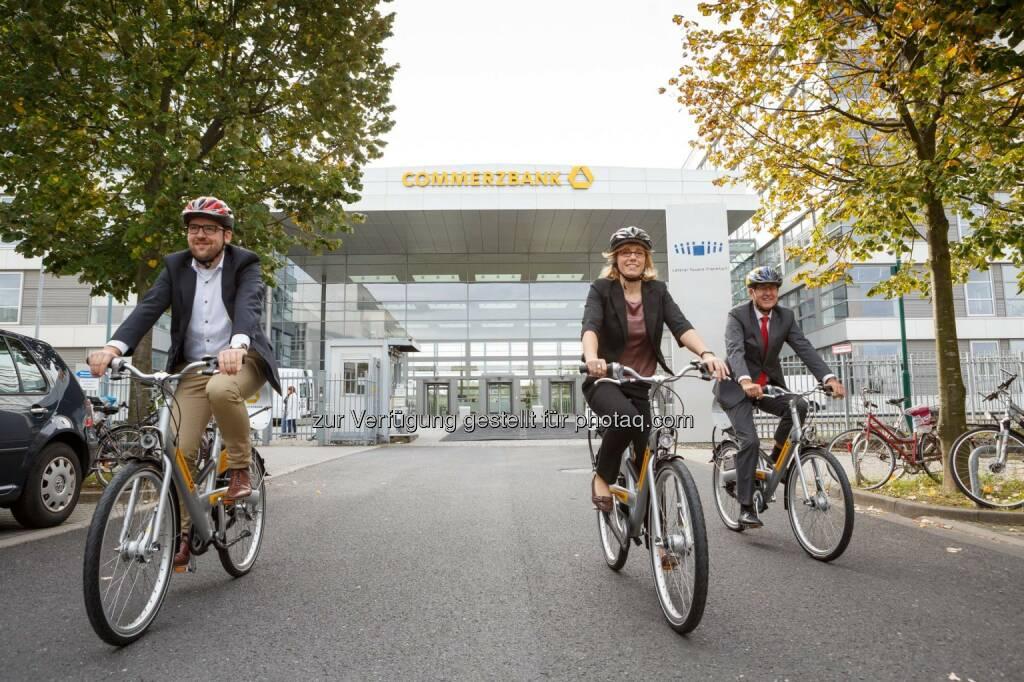 Commerzbank stellt Firmenfahrräder zur Verfügung - 50 Firmenfahrräder stehen Mitarbeitern an fünf Frankfurter Standorten kostenlos zur Verfügung. (C) Commerzbank AG, © Aussender (08.09.2014)