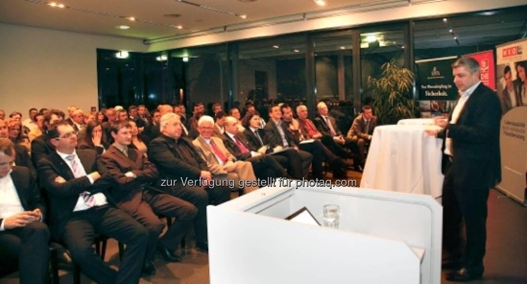Wissens-Roadshow in Innsbruck: Der Vortragende Walter Worresch, siehe auch http://www.christian-drastil.com/?s=worresch (c) Anlegerwissen.at (24.01.2013)