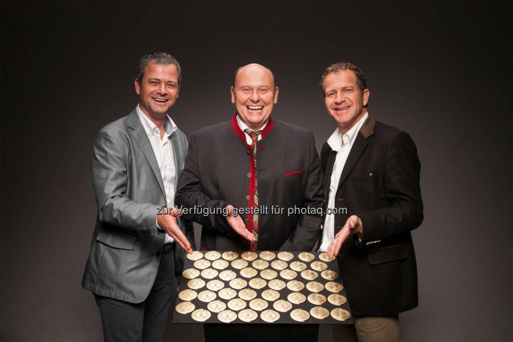 Prokurist Michael Moser, Betriebsleiter Johann Winkler und GF Hans Moser: 51x Gold an Moser Wurst für Produkt-Qualität und Geschmack beim Internationalen Fachwettbewerb IFFW, © Aussendung (11.09.2014)