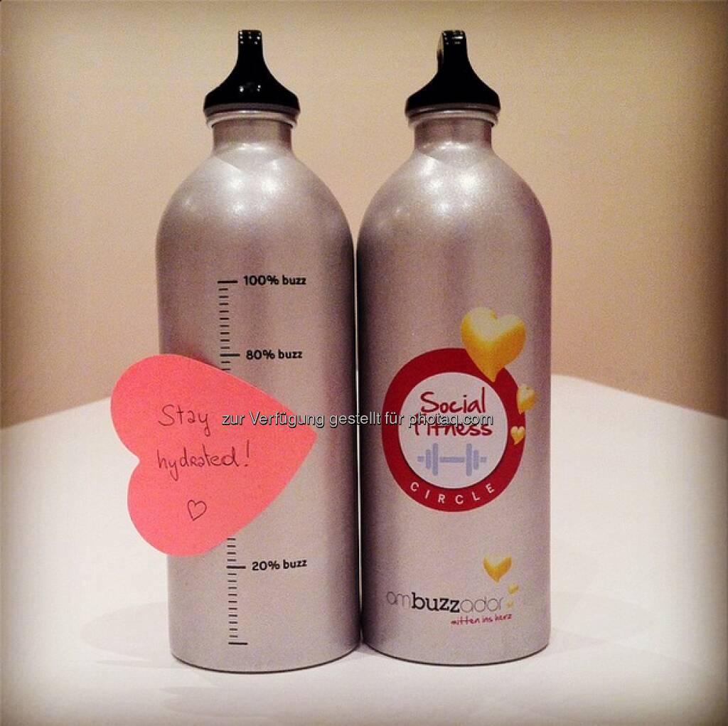 Wie die Mama unserer #ambuzzador Redakteurin Dani immer sagt: Viel trinken ist gesund – so bleiben wir nicht nur am #FitnessFriday #fitundsocial.  Source: http://twitter.com/ambuzzador (12.09.2014)