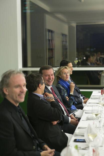 Christian Drastil (CD Comm.), Holger Schmidtmayr (S Immo, mitte), Dominik Hojas (derboersianer, rechts), © Martina Draper (15.12.2012)