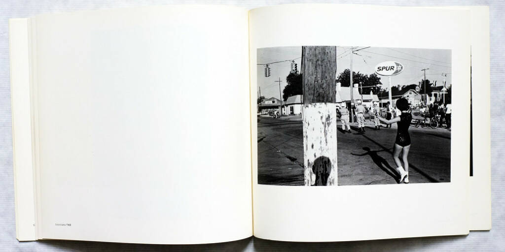 Lee Friedlander - Self Portrait - 150-300 Euro, http://josefchladek.com/book/lee_friedlander_-_self_portrait (14.09.2014)
