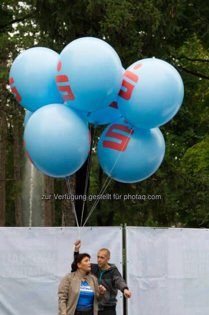 s-Bausparkasse, Luftballons, Wachau Marathon 2014, © Milena Ioveva  (14.09.2014)