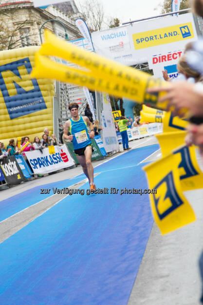 Aigner Philipp, 2. Platz Viertelmarathon Männer, Wachau Marathon 2014, © Milena Ioveva  (14.09.2014)