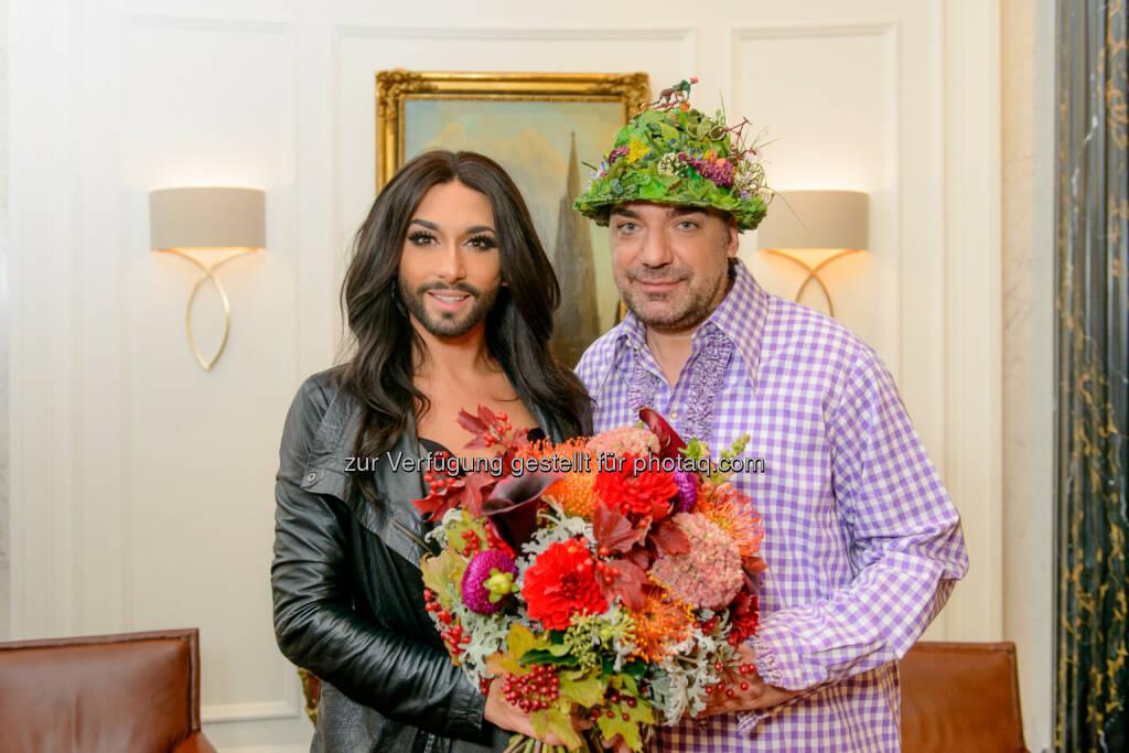 Conchita Wurst und Thomas Klein: Das Geheimnis ist gelüftet: Conchita Wurst singt ihre Hymne beim diesjährigen Almdudler Trachtenpärchenball (16.09.2014)