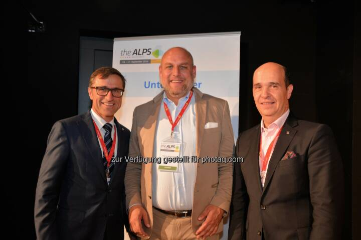 Josef Margreiter (Präsident AlpNet), Keynote Speaker Marcus Schögel und Gaudenz Thoma (Graubünden Ferien): theAlps 2014 startet in Arosa mit spannenden Keynotes und topaktuellen Studienerkenntnissen