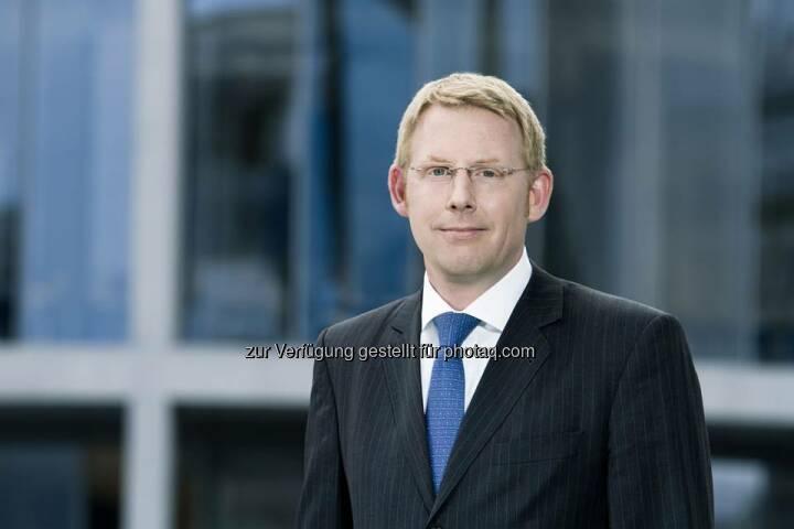 Peret Bergmann (42) ist neuer Geschäftsführer der Patrizia WohnInvest KAG (PWI). Die Geschäftsführung der PWI wurde damit zum 1. August 2014 erweitert. Die 2007 gegründete PWI verantwortet heute sieben Immobilien-Spezialfonds mit einem Gesamtinvestitionsvolumen von über zwei Mrd. Euro. http://bit.ly/1s7Ryj8  Source: http://facebook.com/patriziaimmobilien