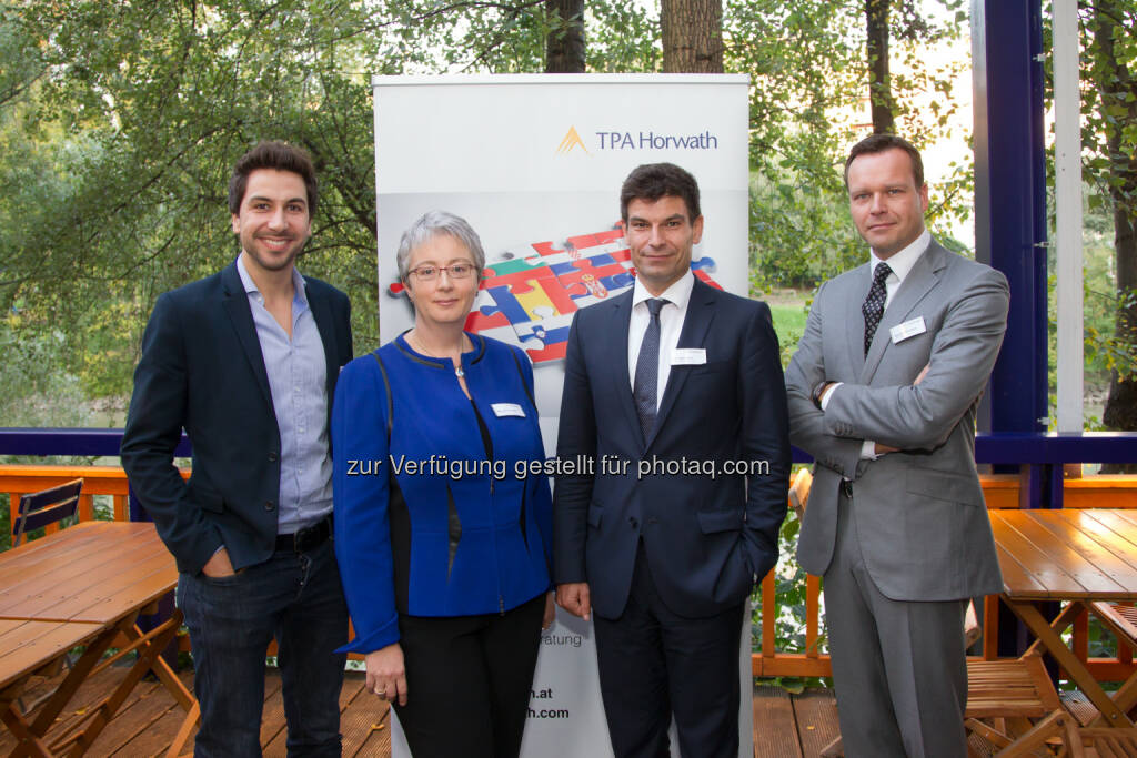 Stefan Ponsold (sunnybag), Karin Fuhrmann (TPA Horwath), Markus Piuk (Schönherr), Wojciech Sztuba (TPA Horwath Polen):  TPA Horwath und das Immobilien Magazin luden zum Energy Tomorrow Cocktail, © Aussender (19.09.2014)