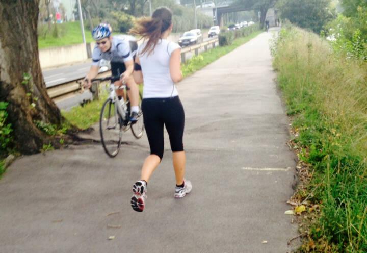 Laufen Radfahren Begegnung