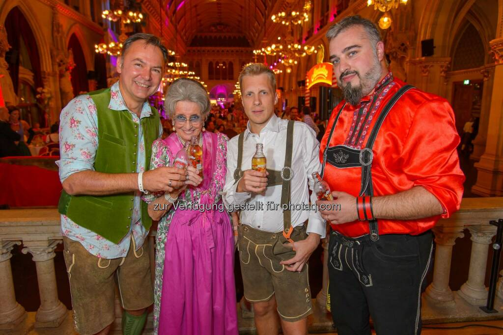Gerhard Schilling, Lotte Tobisch, Russkaja Sänger Georgij: Das war der Almdudler Trachtenpärchenball 2014 (20.09.2014)