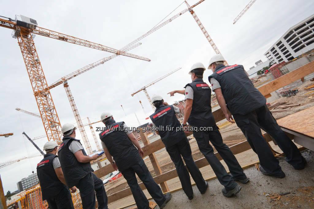 Einsatz der Finanzpolizei bei einer Großbaustelle, © Finanzministerium (22.09.2014)